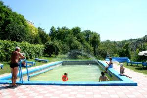 Один из внешних бассейнов